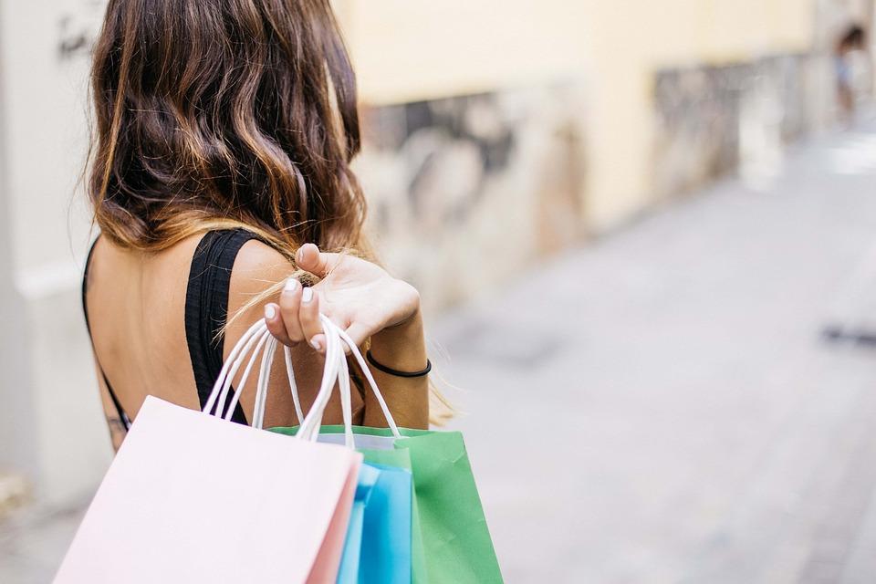 Retrouvez les plus grandes marques à des prix incroyables en vous connectant sur cobrason.com !