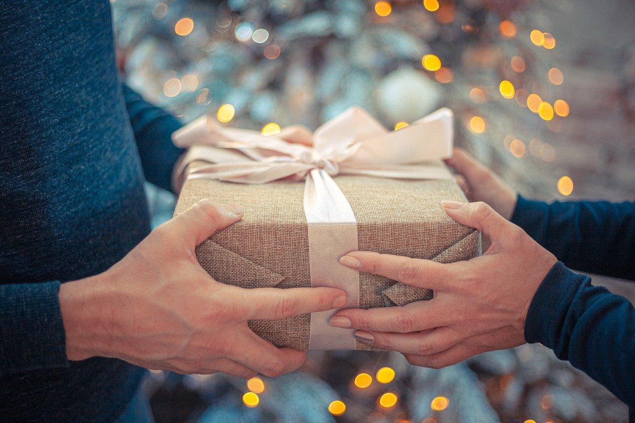 Read more about the article Comment trouver un beau cadeau de Noel pour homme à Strasbourg?